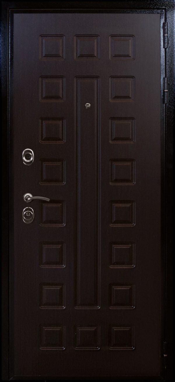 дверь ВОЕВОДА Сармат-2 внутри